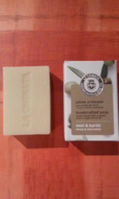Jabón artesano con AOVE, miel y karité