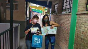 Entrega de Premios a la directora del Colegio CEIP Miraflores de los Ángeles del concurso dibujo escolar 2021